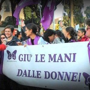 """Roma, appello delle donne alla Cgil: """"No alla maternità surrogata, i figli non si vendono e non si donano"""""""