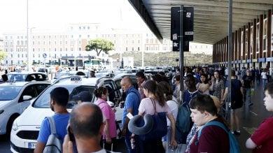 """Sciopero trasporti, città in tilt. Sindacati: """"Adesione altissima, circa l'85%"""""""