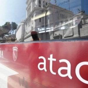 """Roma, Raggi: """"Ok del tribunale al piano di salvataggio dell'Atac. Azienda resta pubblica"""""""