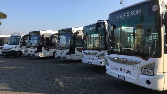 "Bus israeliani noleggiati da Atac e mai usati, Raggi: ""Chi ha sbagliato pagherà"""