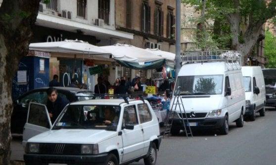 Viale Trastevere liberato dalle bancarelle: cinque anni di pratiche per spostare 14 ambulanti