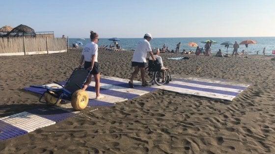 Roma,  pochi servizi, tanti ostacoli chi nega il mare ai disabili
