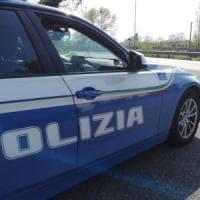 Roma, investono una donna in via di Rocca Cencia e scappano: arrestati