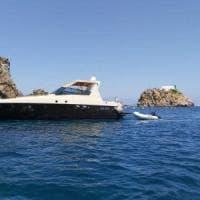 Ponza, yacht prende fuoco. Guardia costiera mette in salvo 4 adulti e due bambini