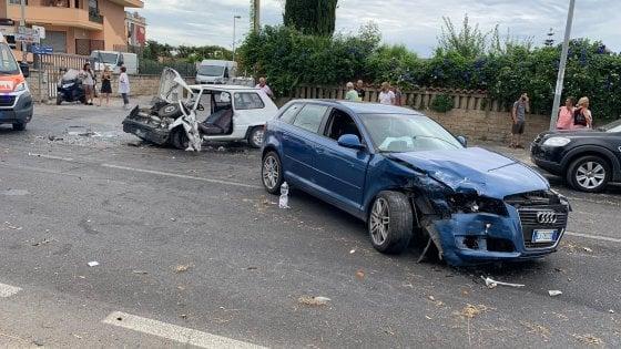 Nettuno-Velletri, frontale tra due auto: grave un uomo di 68 anni