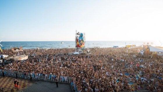 """Jovanotti, tutto pronto per il """"Beach Party"""" a Cerveteri: """"La più grande festa in spiaggia mai fatta dal tempo degli etruschi"""""""