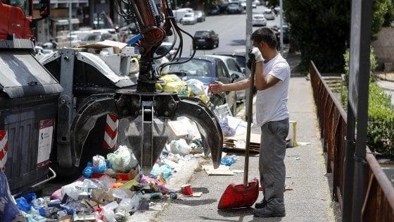 """Rifiuti, i sindaci del Lazio: """"Discariche off limits per le nostre città"""""""