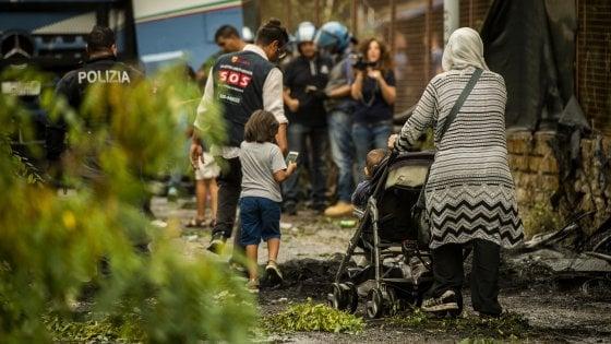 """Roma, ancora sgomberi senza alternative: """"Ora tocca ai rom"""""""