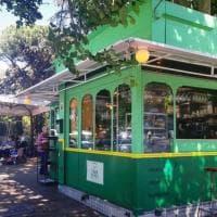 """Roma, anche a Talenti arriva il """"Tram Depot"""": il chiosco retrò di street food e grattachecche"""
