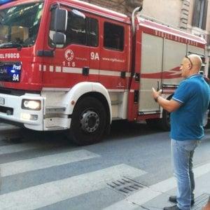 Roma, fiamme in palazzina di via Condotti; nessun ferito