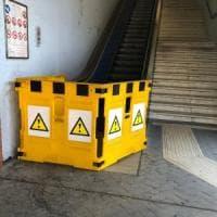 Roma, scala mobile Eur Magliana si blocca: anziano cade e si ferisce