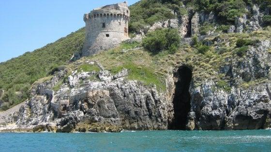 """Circeo, una grotta sotto Torre Paola: """"È quella di Ulisse, descritta nell'Odissea"""""""