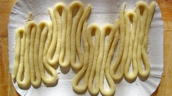 """Sagre nel lazio,  """"serpentone"""" e funghi porcini, è festa grande a Marcetelli e Casaprota"""
