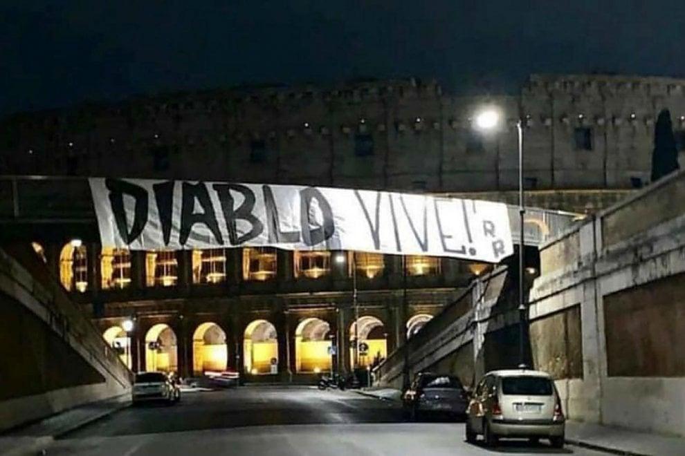 """Omicidio Piscitelli a Roma, lo striscione al Colosseo: """"Diablo vive"""""""