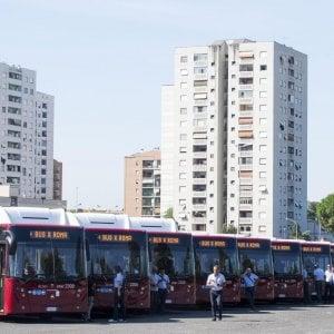 Roma, ora Atac dimezza gli acquisti e compra solo cento dei 240 bus