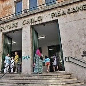 """Roma, il nido Zigo Zago trasloca nella scuola Pisacane. I genitori della primaria: """"Accesso negato ai disabili"""""""