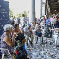 Ferragosto solidale a Roma,  la 'cocomerata' dell'integrazione all'Esquilino