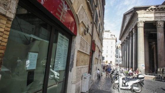 Nuovo McDonald's al Pantheon: dubbi sulla licenza e controlli sui locali
