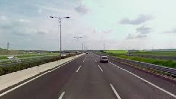 Traffico, incidente sulla Roma-Fiumicino: pesanti rallentamenti nella mattina, poi la circolazione è ripresa