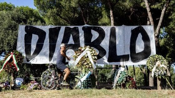 Funerali di Diabolik a Roma, accordo tra questura e famiglia: saranno mercoledì al Divino Amore