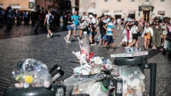 """Rifiuti, ok delle Marche a Roma: """"Ma basta mandarli fuori regione"""""""