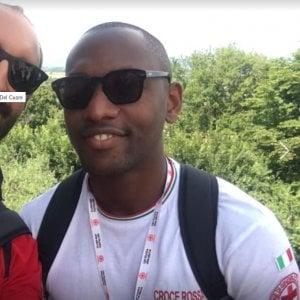 """""""Negro di m."""": a Roma scritta razzista sull'auto di medico della Croce Rossa"""