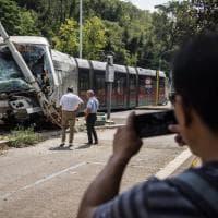 Roma, scontro tra auto e tram in piazzale Manila