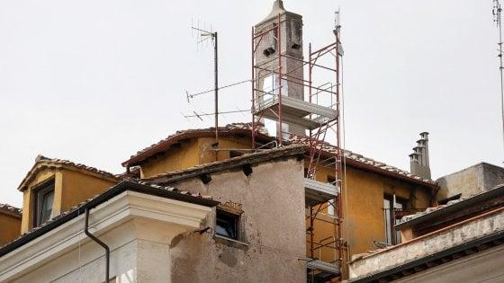 Mc Donald's al Pantheon, lavori sul comignolo che oscura Sant'Ivo alla Sapienza