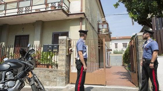 Morta nella casa piena di gas ad Acilia, nella stessa via un'esplosione uccise madre e figlia