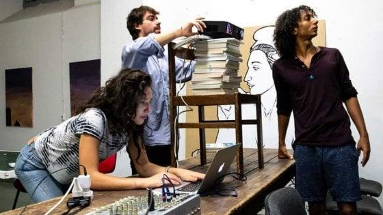 """Roma, libri e pennello: """"È la sala-studi per Trastevere"""""""