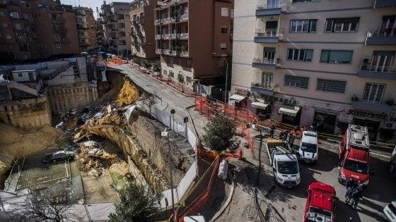 """Crollo Balduina a Roma, l'inchiesta: """"Pali di sostegno pochi e difettosi"""""""