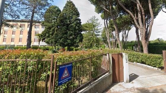 Ore in punizione sopra l'armadio, polsi dei bimbi legati con i calzini: arrestata suora di un asilo di Roma