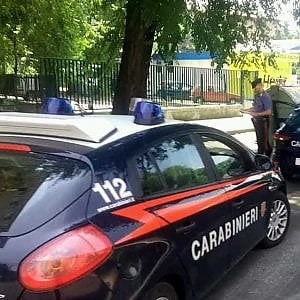 Latina, droga e astici dentro il carcere: in manette anche due agenti di polizia penitenziaria