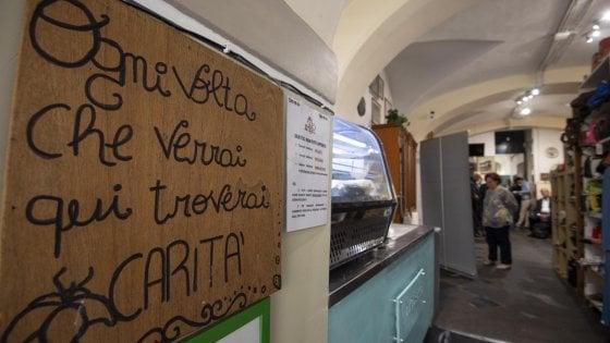 """Apre a Roma la prima """"farmacia di strada"""": aiuterà senzatetto italiani e stranieri"""