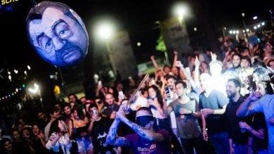 """Parco Schuster, pentolaccia col volto di Salvini, scoppia la polemica. Raggi: """"Balordi"""""""