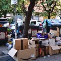 Rifiuti a Roma, torna lo spettro dell'emergenza: città sporca, 1.500 tonnellate