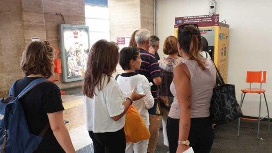 Roma, torna in funzione la macchina mangiaplastica vandalizzata a Piramide