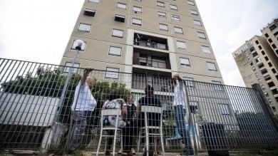 """Famiglia rom rinuncia a casa popolare  e denuncia: """"Minacciati dai residenti"""""""