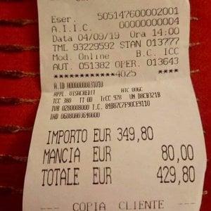 Roma, due piatti di spaghetti al pesce e una bottiglia d'acqua: stangata da 429,80 euro per due turiste giapponesi