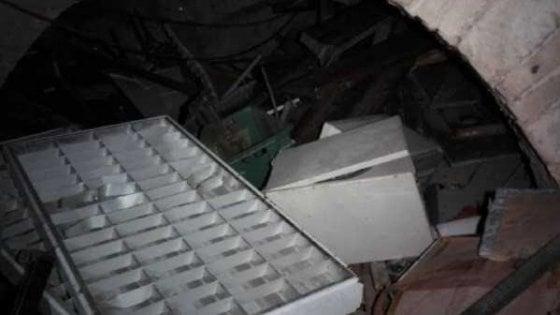 Rifiuti da cantiere e calcinacci abbandonati nei sotterranei a Fontana di Trevi