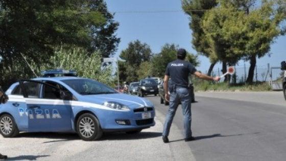 """Cassino, la polizia ferma il figlio per un controllo, il padre """"si vendica"""" sui social: denunciato"""