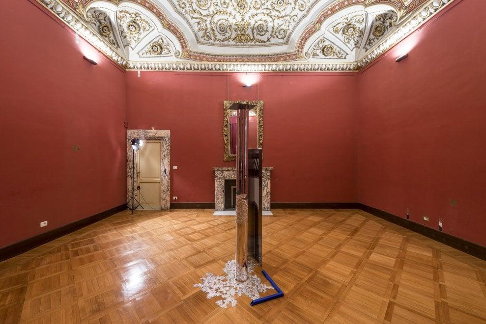 """Roma,  """"Mirabilia Urbis"""": scultura, fotografia e video arte intorno a Campo de' Fiori"""