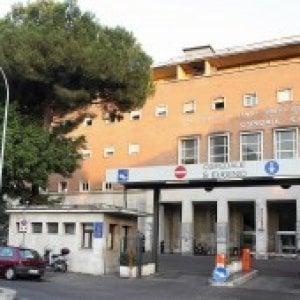 Roma, gli rifiutano dose superiore di metadone: danneggia sala ospedale Sant'Eugenio. Arrestato