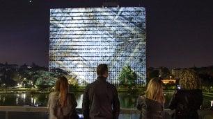 Luci nella notte dell'Eur    foto    il palazzo dà spettacolo  video