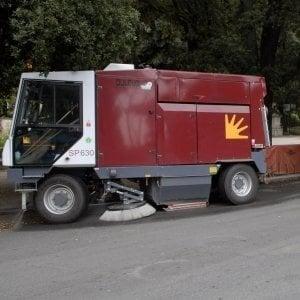 Roma, aggrediti due operatori Ama