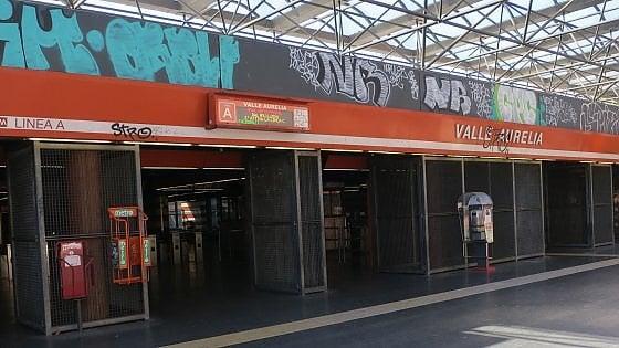 Metro A, dopo cinque mesi ripartono le scale mobili alla fermata Valle Aurelia. Ma ascensori sempre fermi