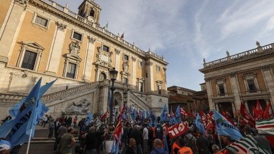 Roma, Raggi e Garanti contro lo sciopero del 25 ottobre: &qu
