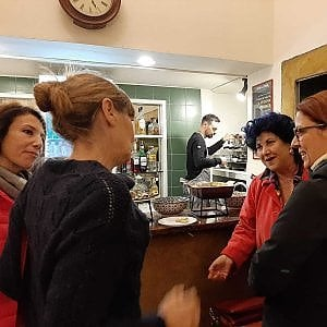 Roma, volti noti tra i foyer dei teatri  e i locali del Pigneto
