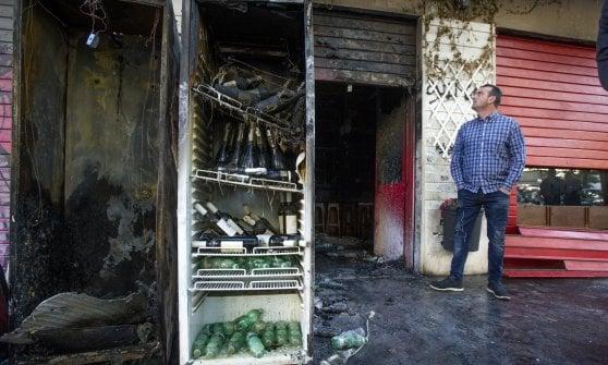 Roma, rogo al Baraka Bistrot: assedio criminale alla nuova movida di Centocelle