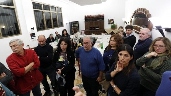 """Roma, regia unica dietro i quattro roghi di Centocelle. I residenti:  """"Il quartiere reagirà"""""""
